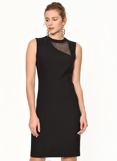 Random Yakası Dantel Detaylı Kolsuz Elbise Siyah
